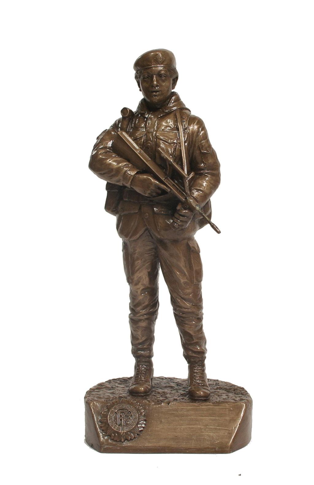 Irish Female Soldier (IS32)
